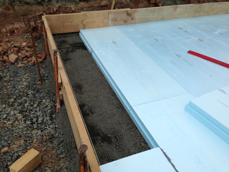 Dämmarbeiten für Bodenplatte mit Perimeterdämmung