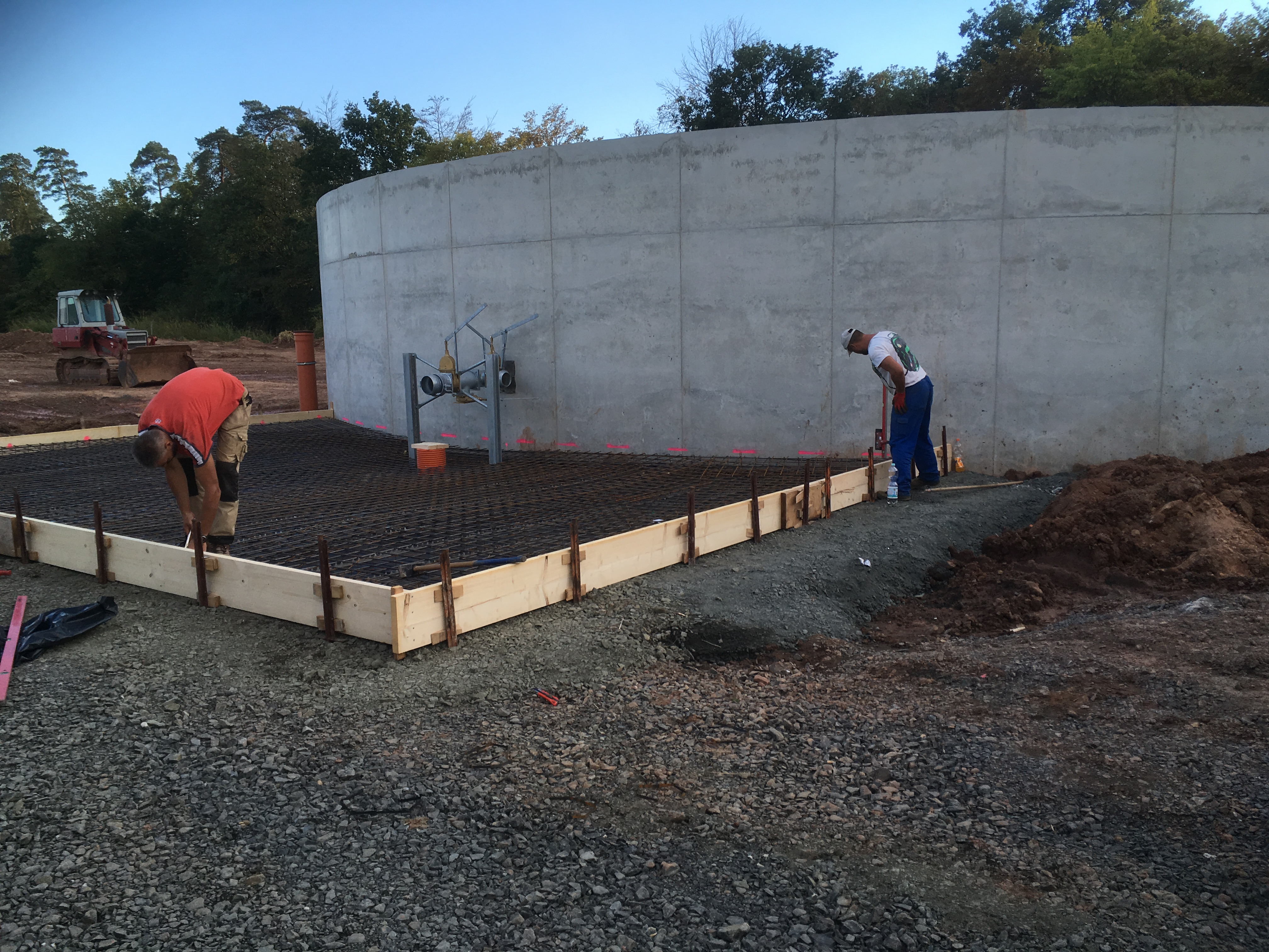 Landwirtschaftliches Bauen - Güllebehälter-Abfüllplatz
